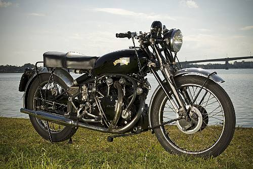 steve mcqueen's vincent black shadow